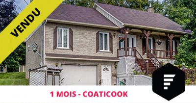 Bungalow vendu à Coaticook Estrie Flex Immobilier