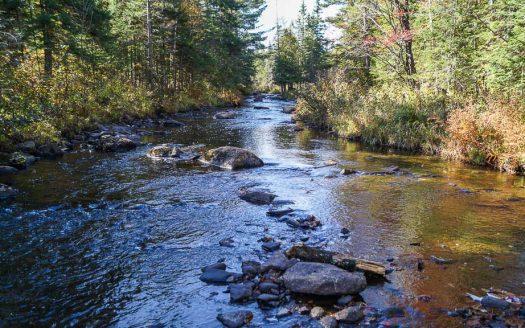 Terrain à vendre bord de la rivière Lac-Mégantic Estrie Flex Immobilier