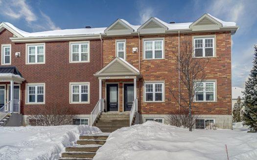 Condo sur 2 niveaux avec garage à vendre Magog Flex Immobilier Unité occupant les rez-de-chaussée et sous-sol