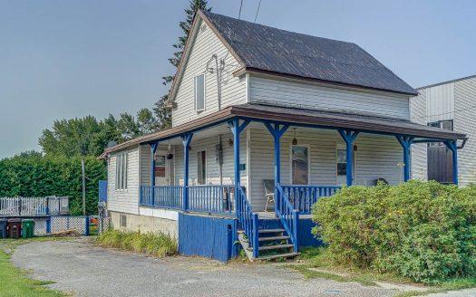 Maison à rénover à vendre Sherbrooke-Est Flex Immobilier Élévation avant